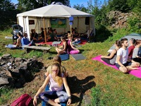 Z jógové  lekce - festival Zubštejn času 2019
